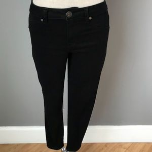 Black lightweight jeans